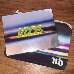 Other - Urban Decay Vice Eyeshadow Pallet